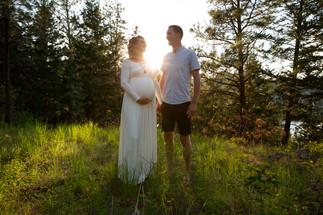 Silhouette-Outdoor-Maternity-Photo.jpg