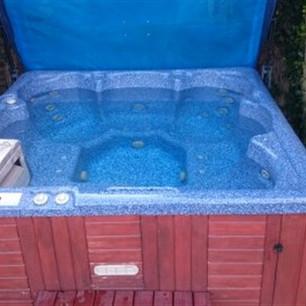 Hot Tub - Clean
