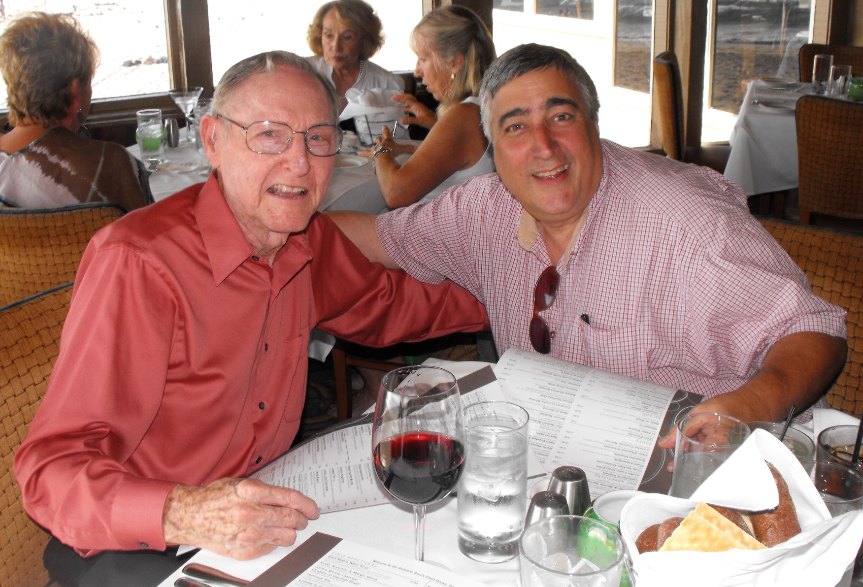 Elliott & Bill Sharman dining