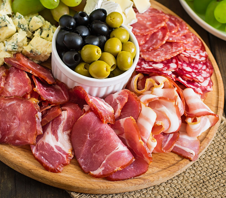 antipasto-catering-platter-with-bacon-je
