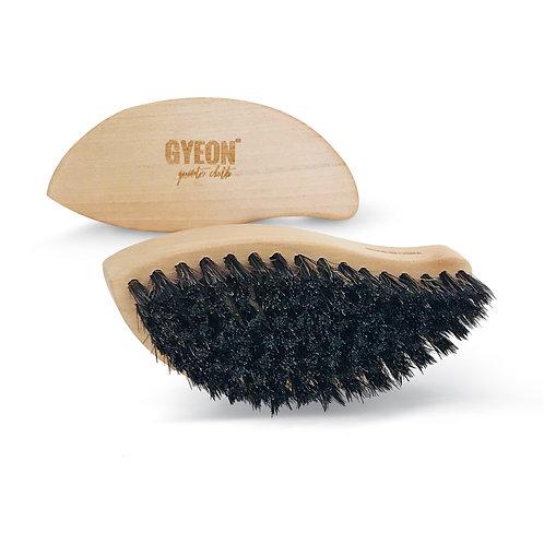 Q2M Leather Brush
