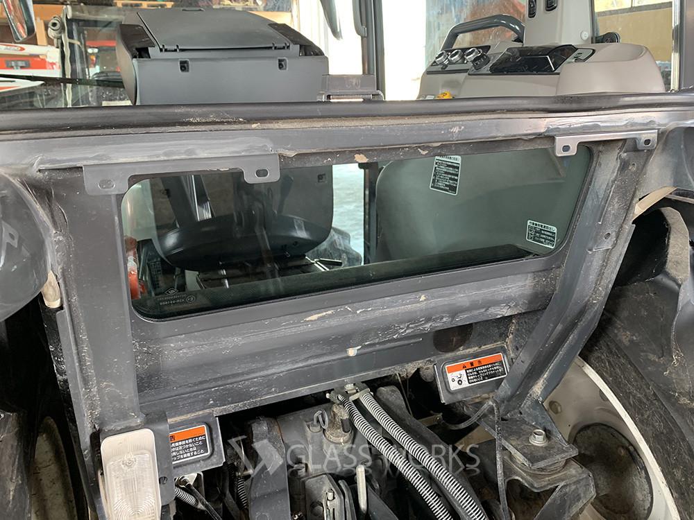 こんな車両のガラス交換