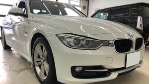 BMW3シリーズ、純正フロントガラス交換。