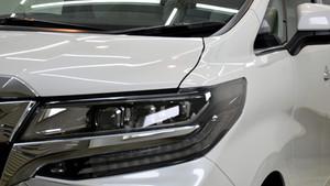 トヨタ アルファード ライト研磨+Glass Shieldコーティング施工