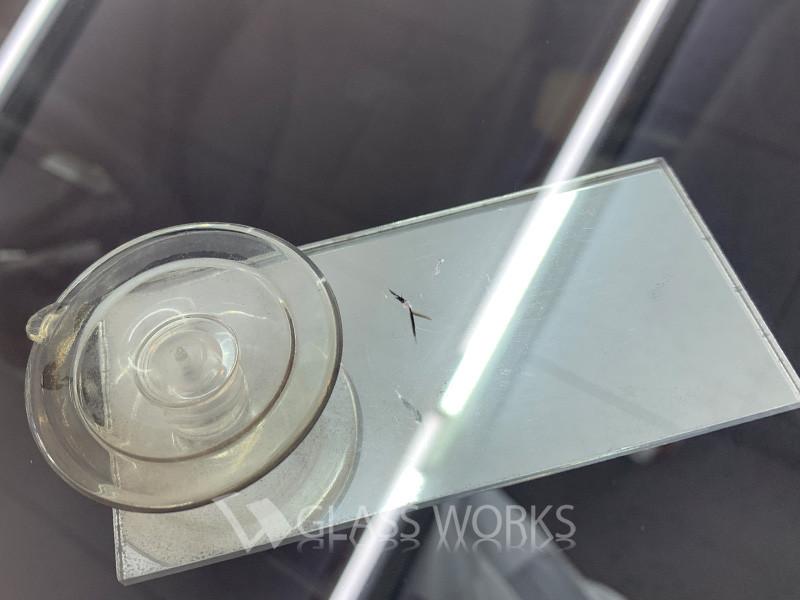 ガラスの飛び石ヒビ修理(ビーウイングブレイク)2