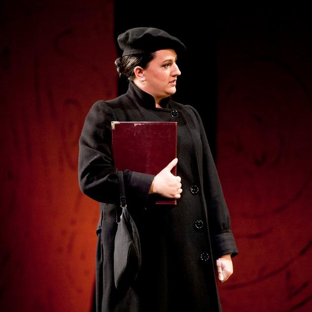 Annina in La traviata