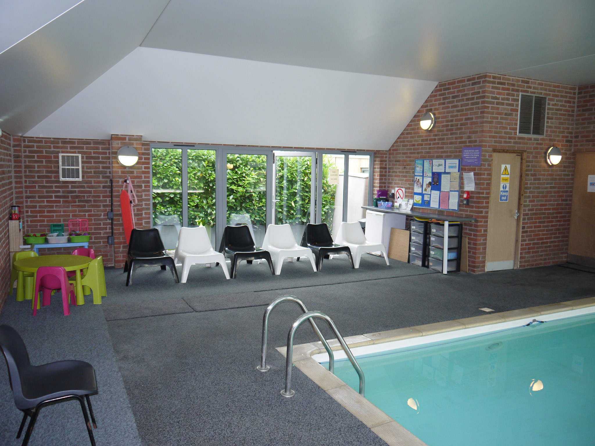 Swimming Pool, Viewing Are