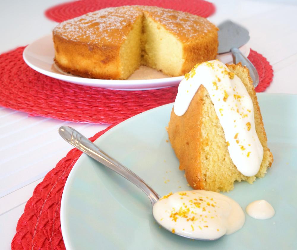 Pão-de-ló de baunilha com creme batido de limão com açúcar 2.JPG