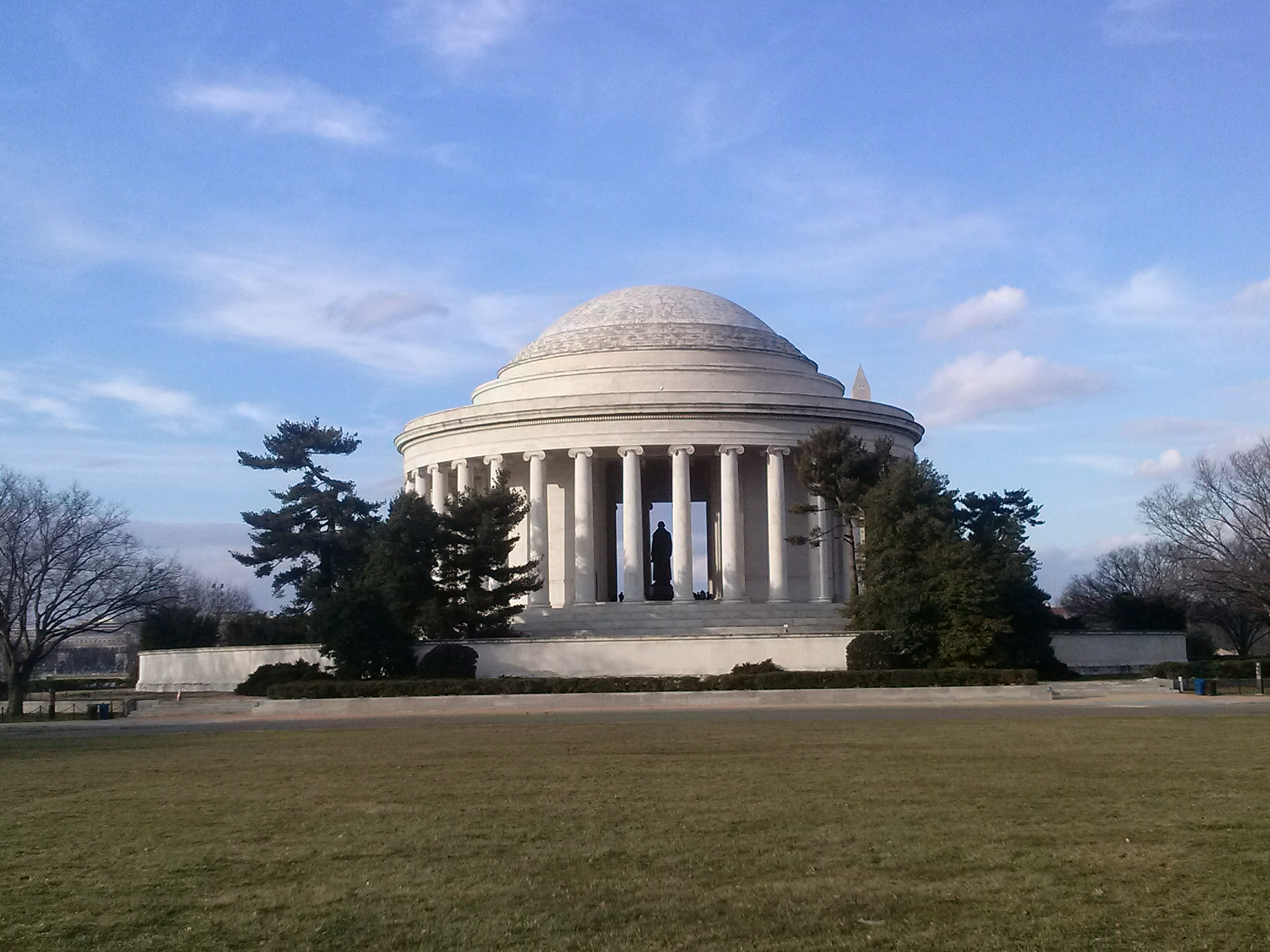 Thomas_Jefferson_memorial_spanish_tour_Washington_DC