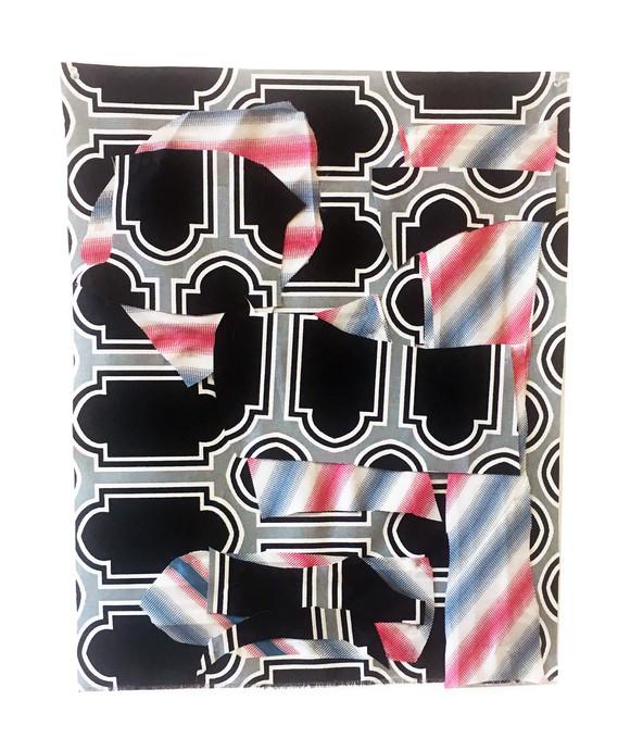 Cut- out  Black-tie