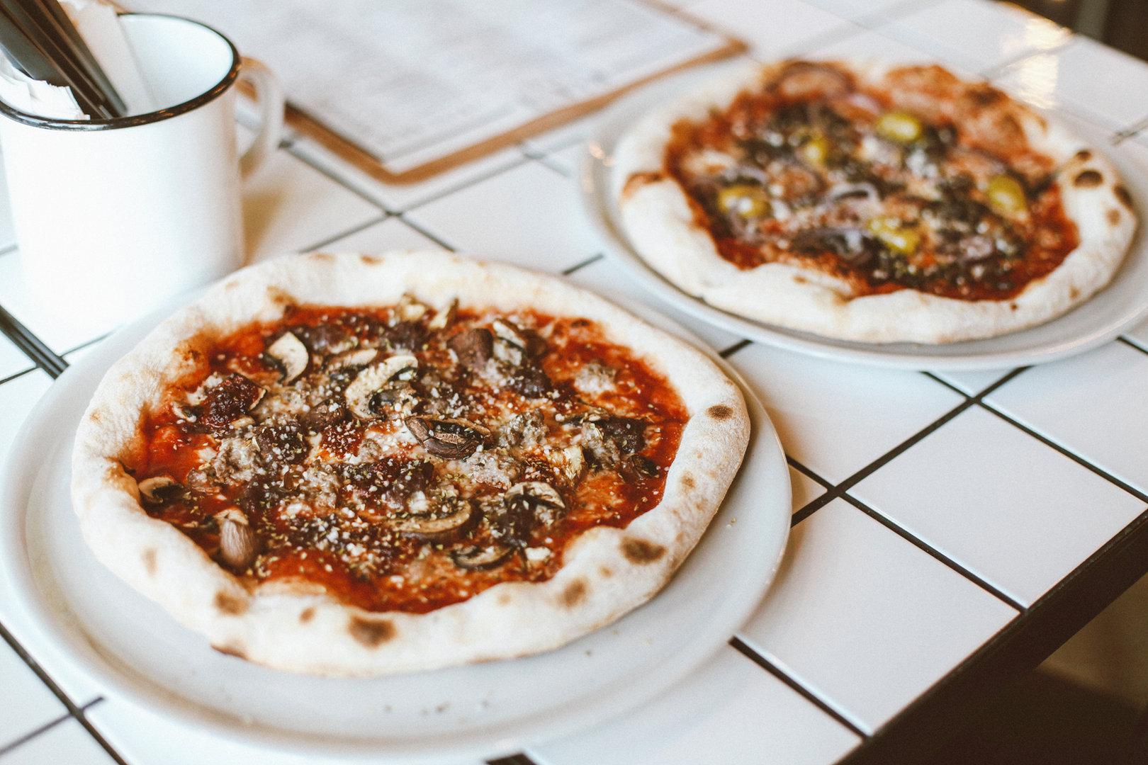 Pizza aux champignons personnels