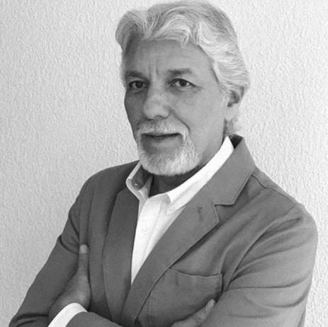 Dr. Francisco Carballo