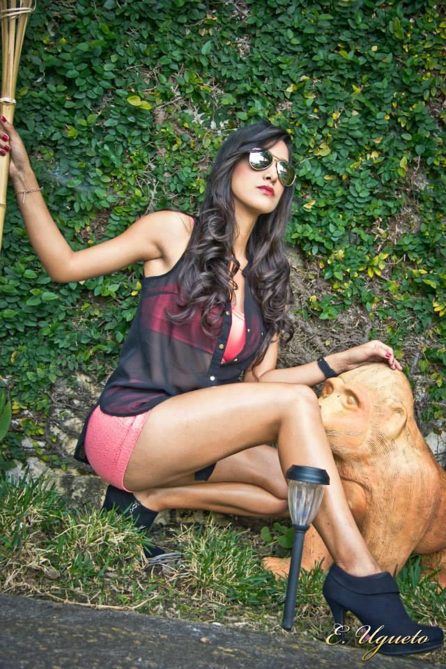 Model: Daniela Escobar