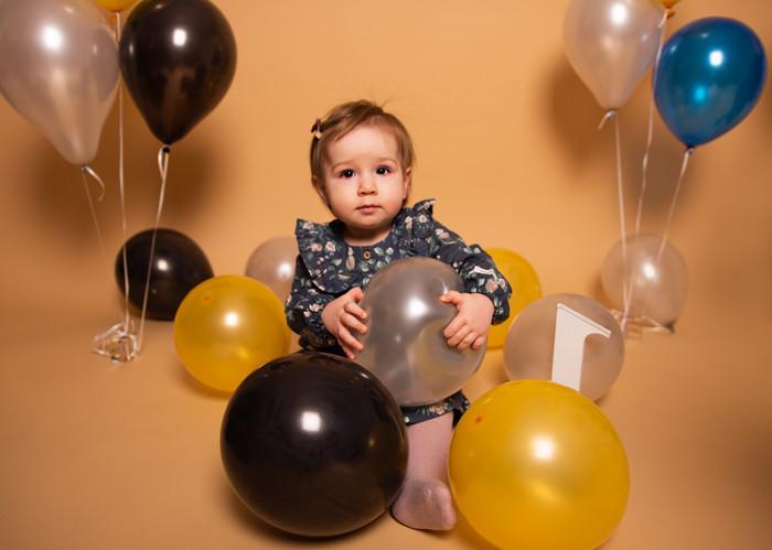 bithday-girl-pierwsze-urodziny-sesja-urodzinowa-częstochowa.JPG