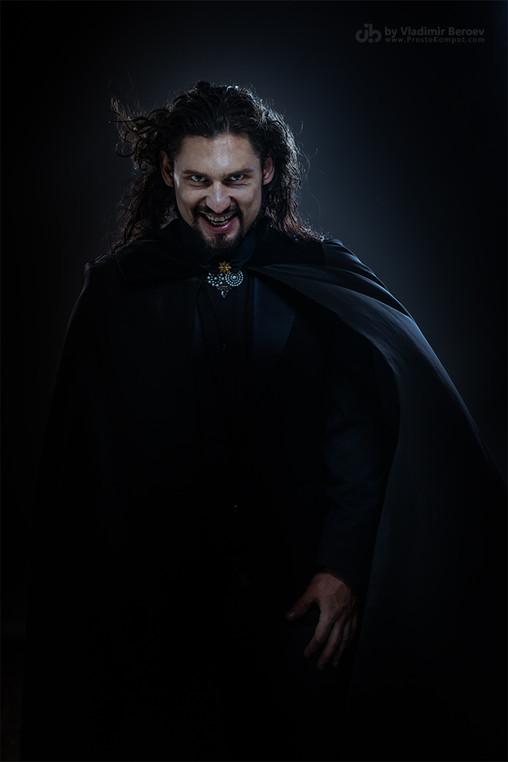 Иван Васильев в роли графа Дракулы