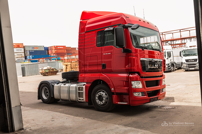 Исходное фото грузовика