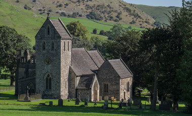 Church of the Holy Cross, Ilam