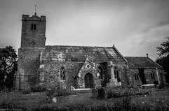 Arnketil, the of Earl Harold, held Yarkhill before the Conquest, and in 1086 it was held by Roger de Lacy. It contained two hides of ploughland and there was a mill. No church or priest was recorded at that time.