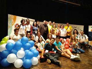 D. Carlos, tras hacer el Camino de Santiago con los jóvenes riojanos, preside la III Asamblea Genera