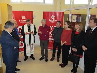 Bendición del Centro de Reparto Unificado de alimentos de Cáritas La Rioja en Logroño