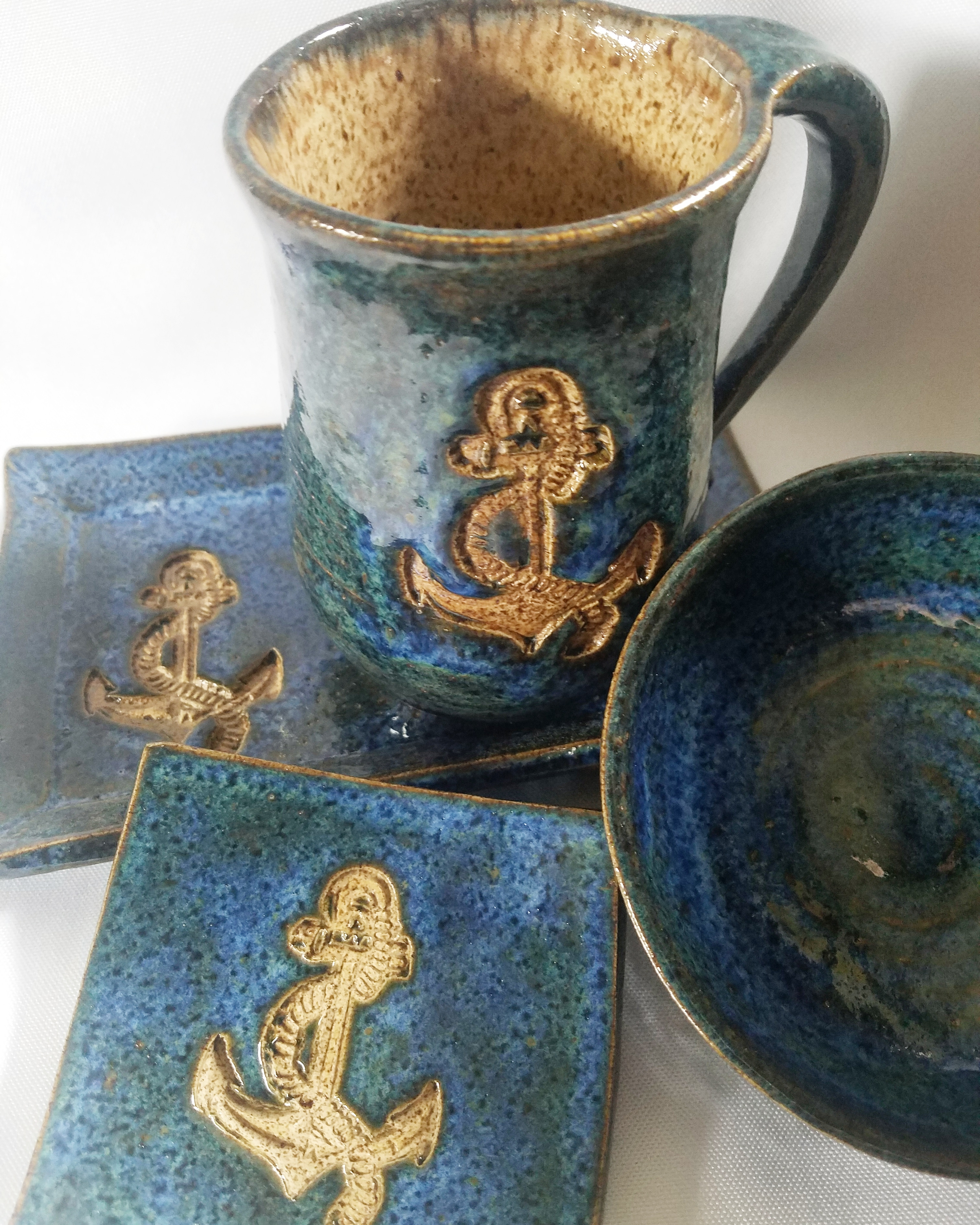 anchor pottery set