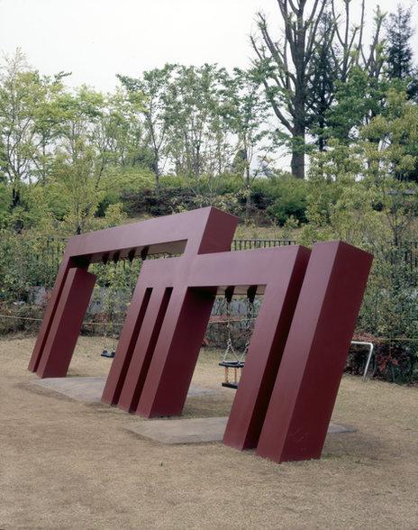 FUJIN  かぜのかみさま (ブランコ) 2007年 Tokyo Midtown 檜町公園