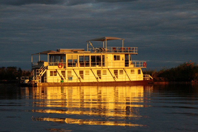 Pangolin House boat