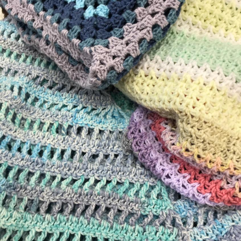 Shawls & blankets
