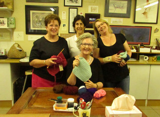 What has Knitting to do with Calligraphy?