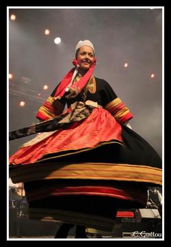 Marie au spectacle Dans Akademi