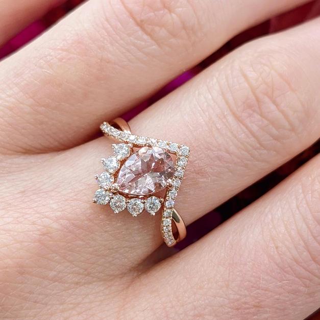 14kt Morganite and Diamond Ring