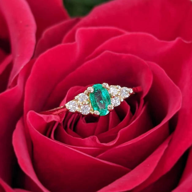 14kt Emerald and Diamond Ring