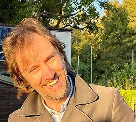 Roland Profil freigestellt.jpg