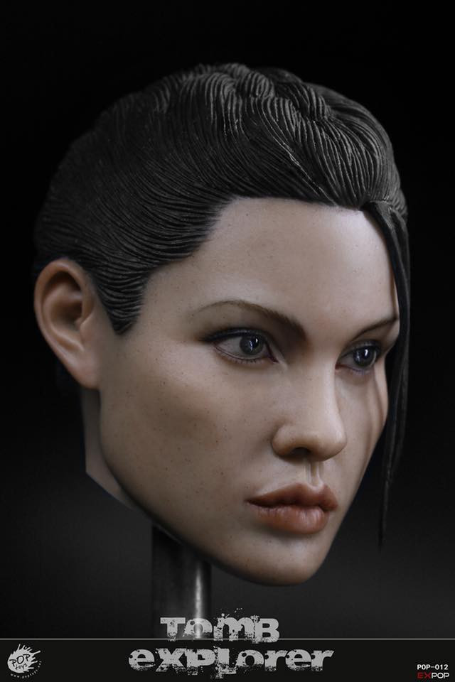 New photos of the 1/6 figure based on the first Tomb Raider Movie.
