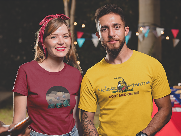 friends-wearing-t-shirts-mockup-at-a-4th