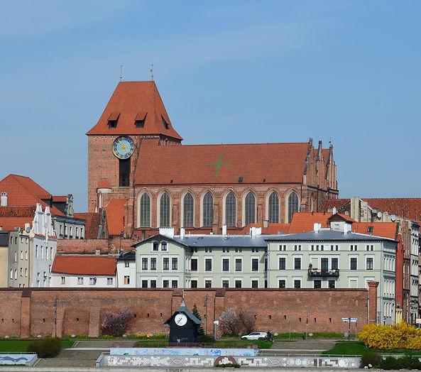 Toruń,_kościół_św._Janów_(dzień).jpg