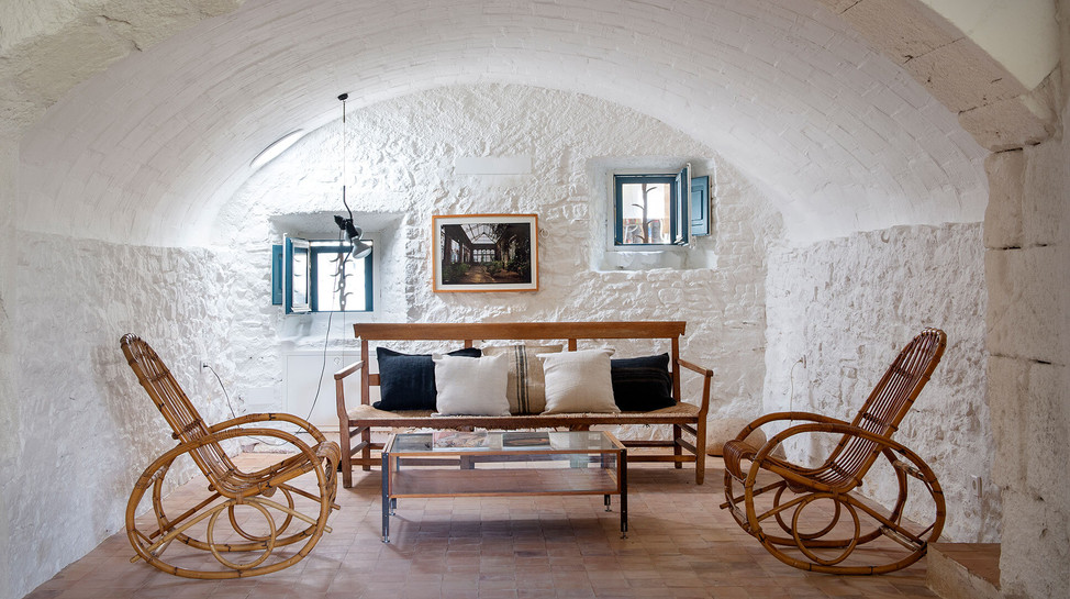 Ullastret House_Salones1.jpg