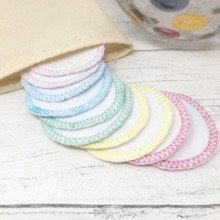Reusable cotton (organic) face rounds with wash bag