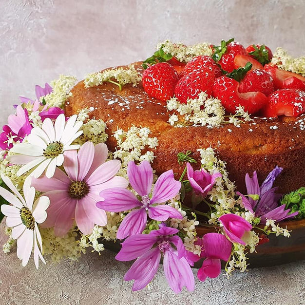 Homemade rhubarb yoghurt cake
