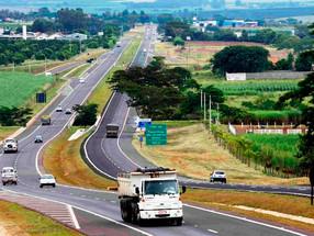 Governo de SP libera circulação de veículos de carga aos domingos em rodovias de acesso à capital, s