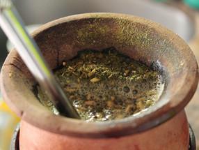 10 coisas que você não deve fazer ao tomar chimarrão