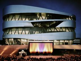 Museu da Mercedes-Benz reúne 160 modelos direto do 'túnel do tempo'