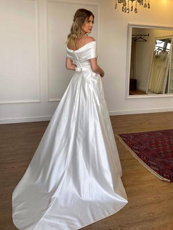 Vestido de Noiva Aurora.png
