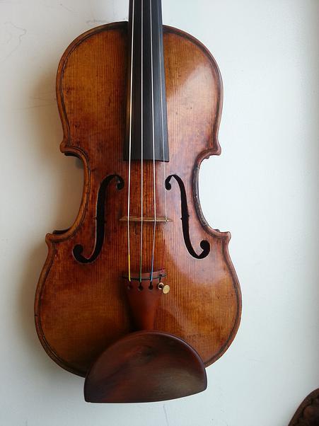 Storioni violin front