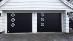 Slet garasjeport med vindu