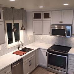 Custom Kitchen Cabinets & Countertops