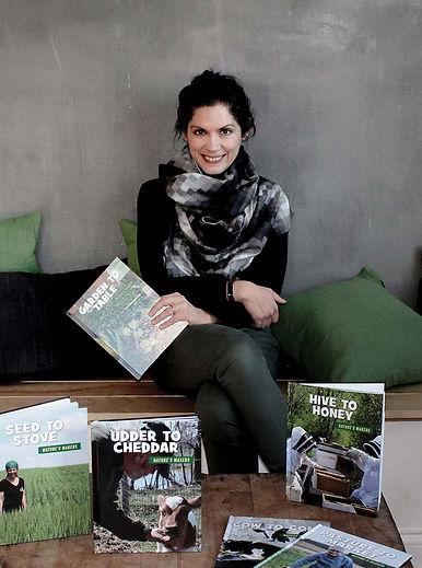 Nature's Makers - Julie Knuston - Oertel