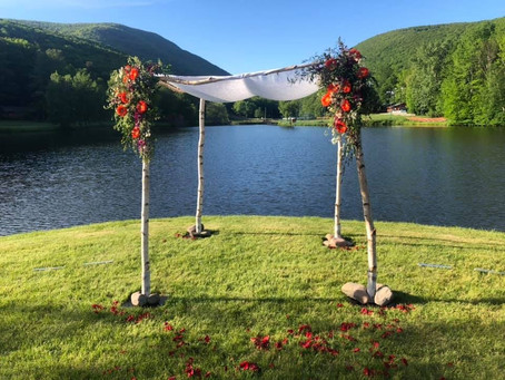 Lakeside Wedding Ideas for Spring
