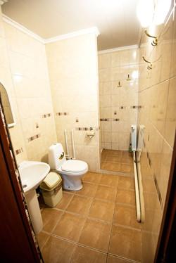 Санузел 2 этажа эконом гостиницы