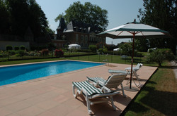 ChateaudeLays_pool